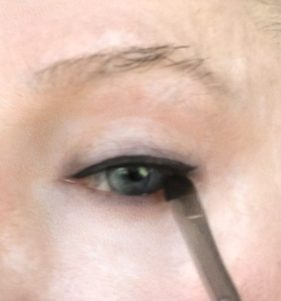 crossdresser makeup eye liner application