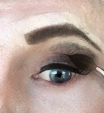 crossdresser makeup eye shadow application