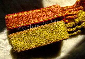 Deux ceintures en laine mérinos teintée végétal.