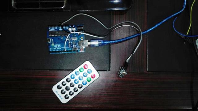 IR receiver transmitter interfacing with Arduino uno
