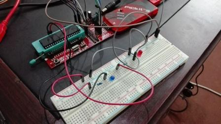 How to Use PICKit3 to upload program to pic microcontroller