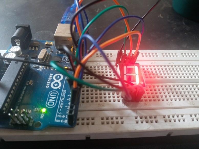 Seven segment display interfacing with Arduino uno