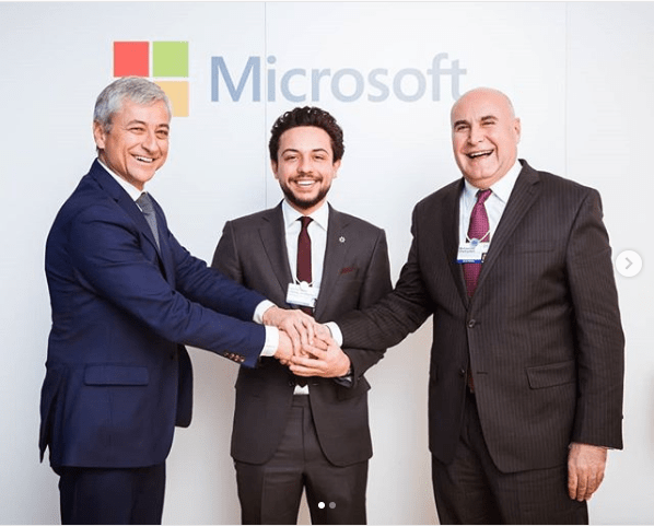 Microsoft to raise 1000 software developers and support startups in