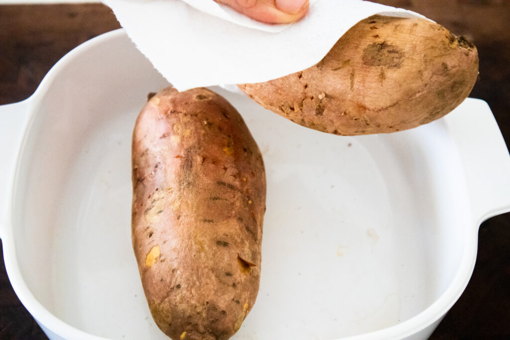 to cook whole sweet potato in microwave