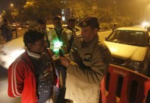 Delhi Drunk driver speeds away with alcometer after the test