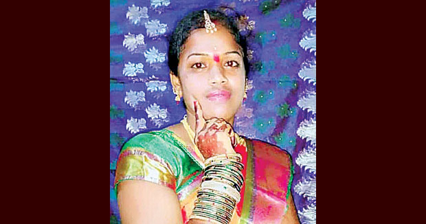 Telugu news The wife committed suicide with her husband's harassment.. To fight as a sarpanch.