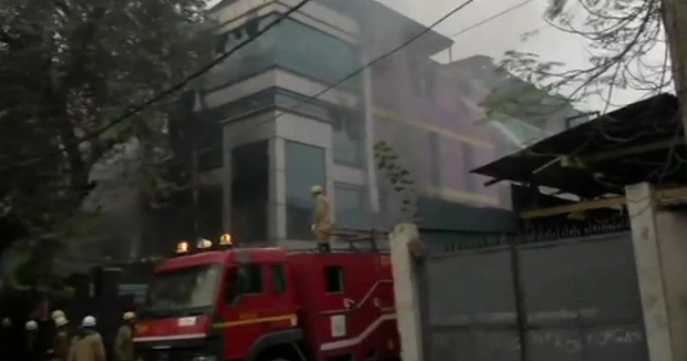 Telugu News Huge Fire At Greeting Card Factory In Delhi Naraina Days After Deadly Hotel Blaze.