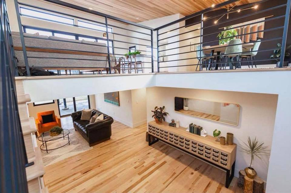 THE VIEW HOUSE  MidCentury Real Estate in Boise Idaho
