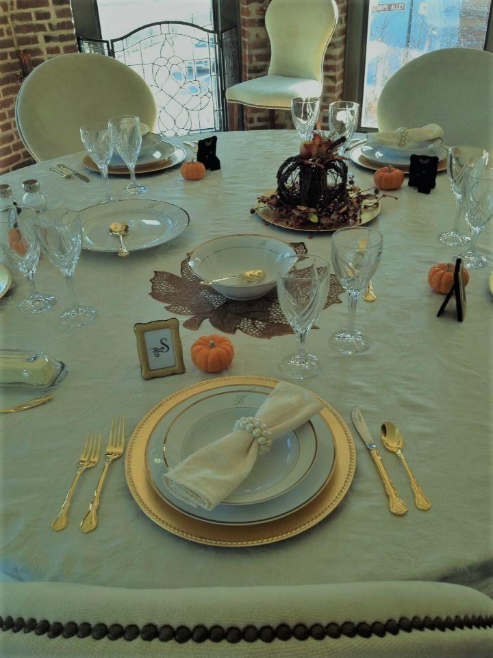 Friendsgiving Table Tradition