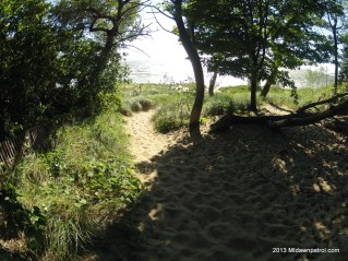 The path to Riley Beach