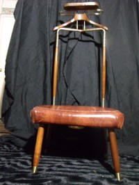Mid Century Modern Pearl-Wick Valet / Butler Chair Circa ...