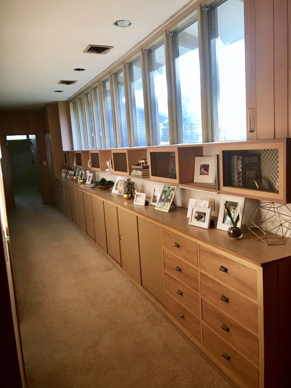 Mid Century Monday #2 – hallway built ins
