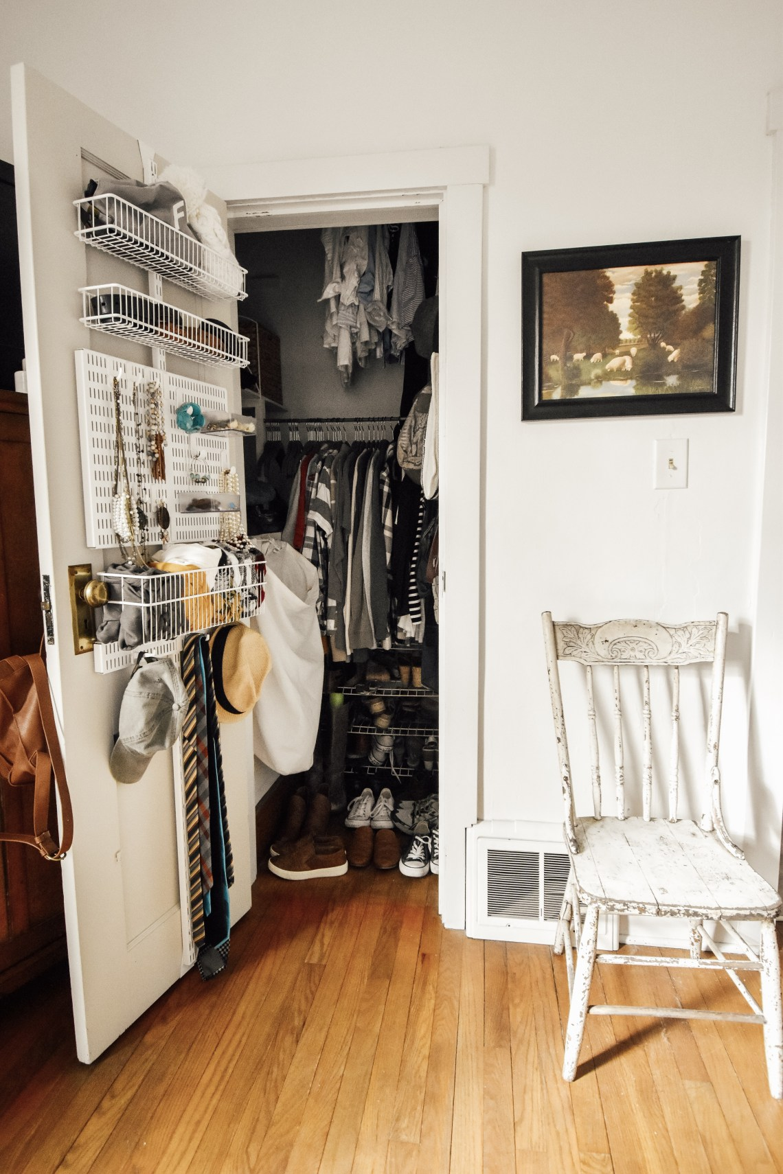 How to Organize Small Spaces in a Small Home