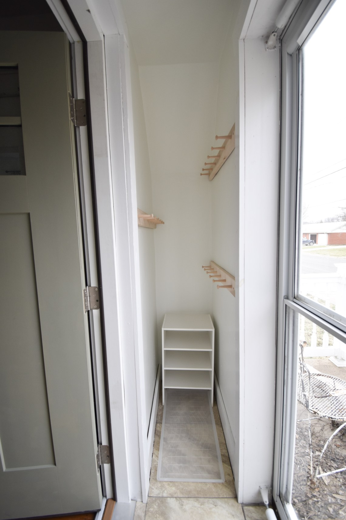 How to Organize Small entryway Spaces in a Small Home