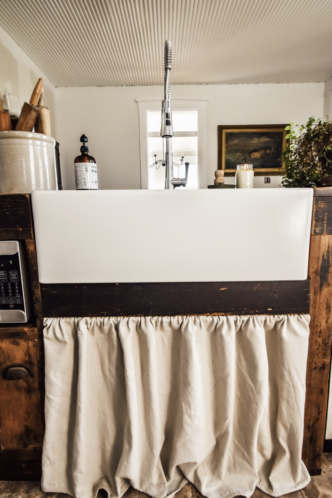 Easy DIY Sink Skirt