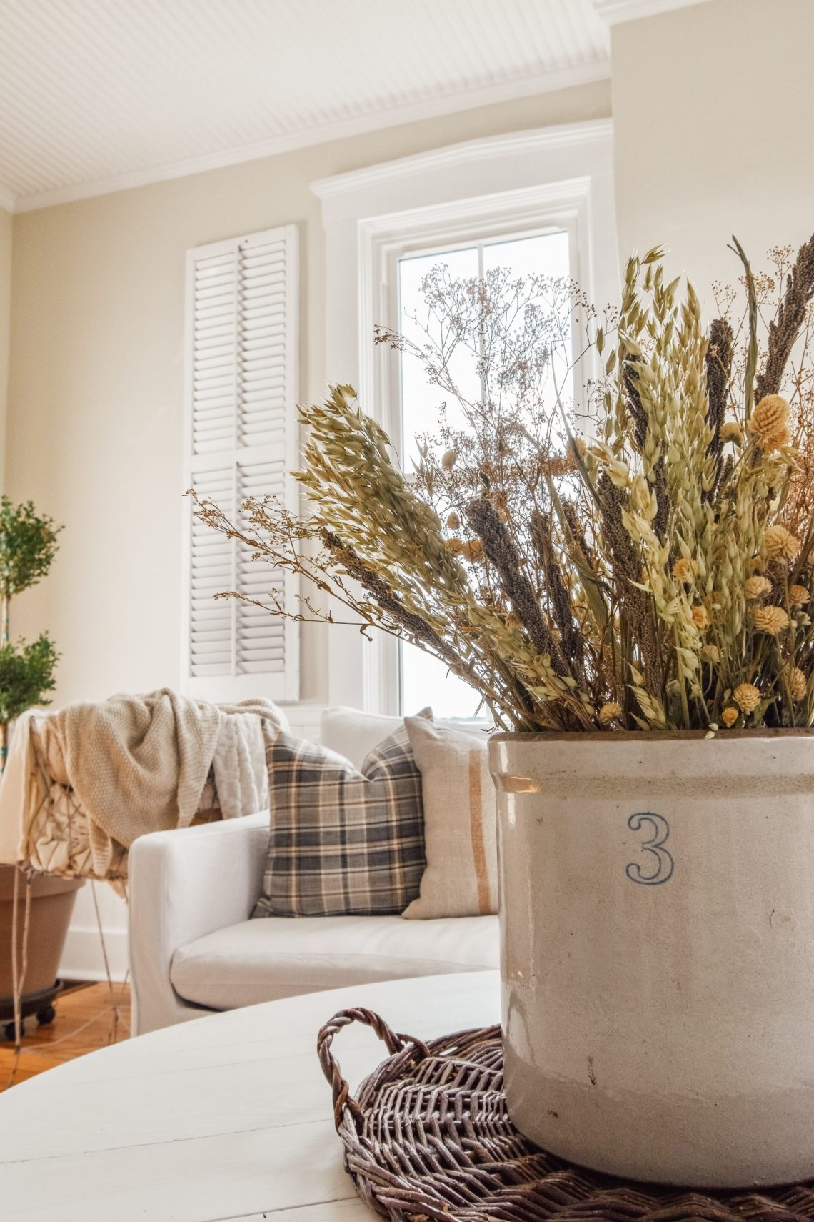 Using Dried Florals for Fall Decor