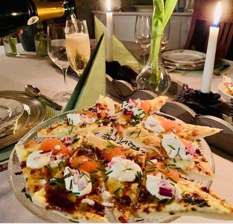 Recept löjromspizza pizza med löjrom snittar