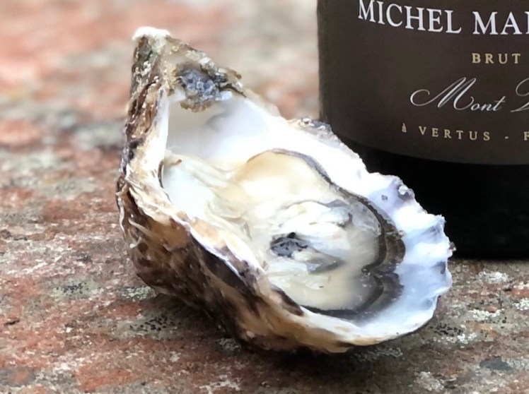 Irländskt ostron med champagne Michel Mailliard Millésime 2010
