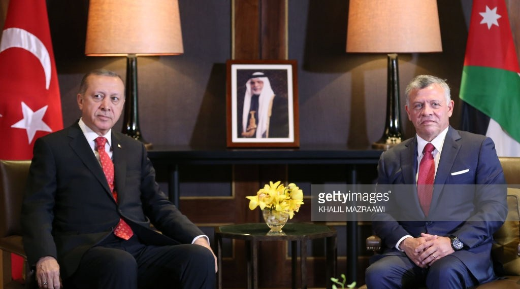 Jordan's King Abdullah II (R) meets with Turkish President Recep Tayyip Erdogan at the