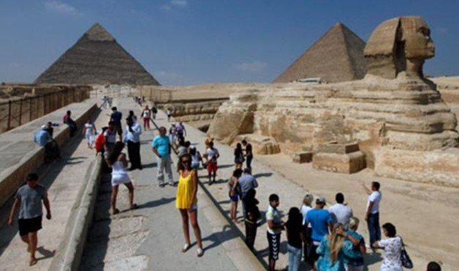 The number of tourists visiting Egypt during the first quarter of 2018 has increased by 30 percent. (Reuters)