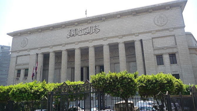 An Egyptian appeals court on Sunday acquitted two police officers who were imprisoned for allegedly beating to death a detained lawyer. (EgyptJustice.com)