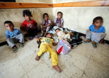 FILE PHOTO: Children sheltering in a classroom of a school to which they were evacuated from a village near Hodeidah airport, Yemen, June 17, 2018. REUTERS/Abduljabbar Zeyad/File Photo