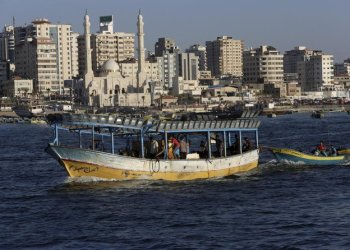 A Palestinian fishing boat sails into the waters of the Mediterranean Sea in Gaza City, Monday, July 9, 2018./ (AP)