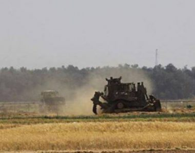 Israeli military vehicles raided the eastern borders of Gaza City