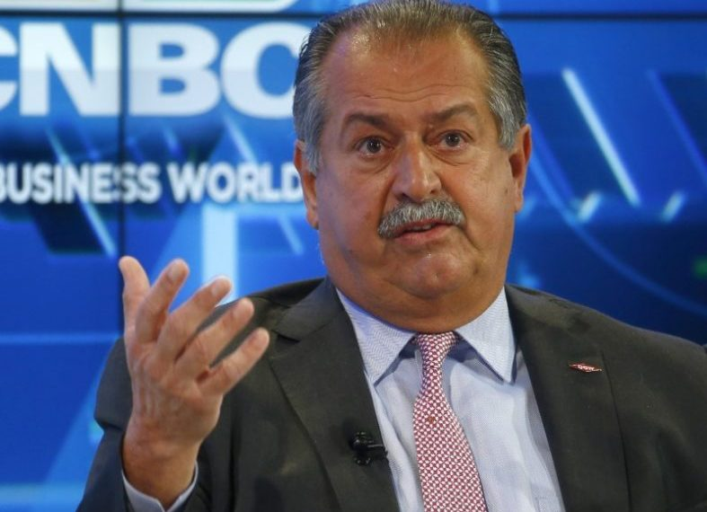FILE PHOTO: Andrew Liveris, Chairman and CEO The Dow Chemical Company attends the World Economic Forum (WEF) annual meeting in Davos, Switzerland January 17, 2017.  REUTERS/Ruben Sprich