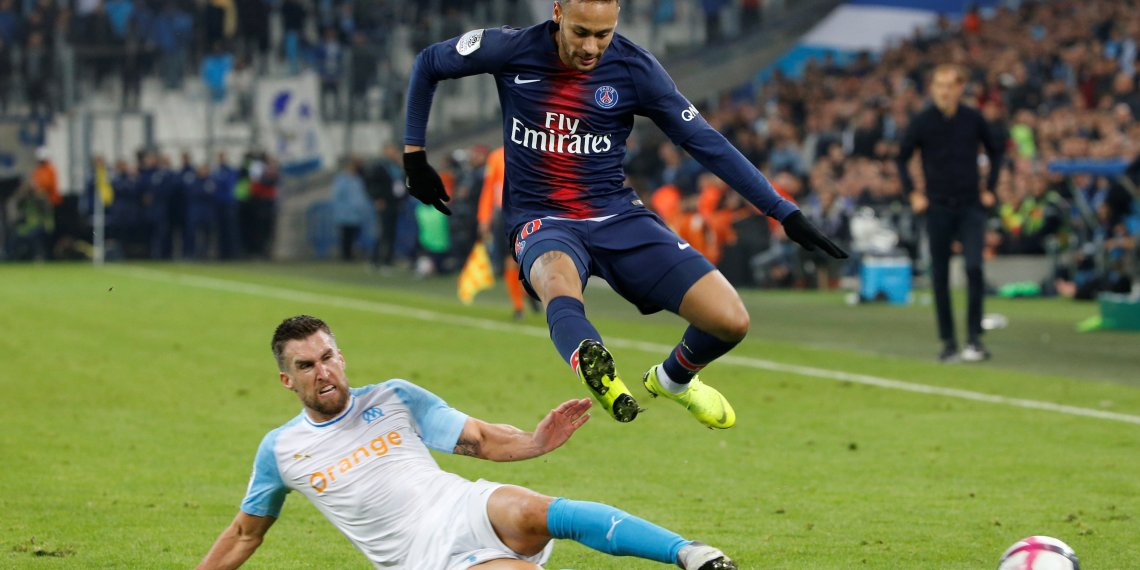 Soccer Football - Ligue 1 - Olympique de Marseille v Paris St Germain - Orange Velodrome, Marseille, France - October 28, 2018 Paris St Germain's Neymar in action with Olympique de Marseille's Kevin Strootman REUTERS/Jean-Paul Pelissier