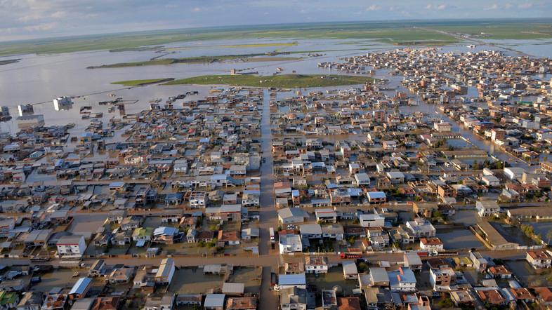 The flooding, which began on March 19, has killed 76 people, forced more than 220,000 people into emergency shelters. (File photo: AFP)