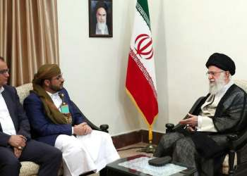 Iran's Supreme Leader Ali Khamenei (R) meeting with Mohammed Abdul-Salam (2nd-L), spokesman for Yemen's Houthi militia on August 13, 2019. (AFP)