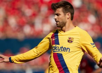 A Gerard Pique handball gave away a late penalty against Osasuna