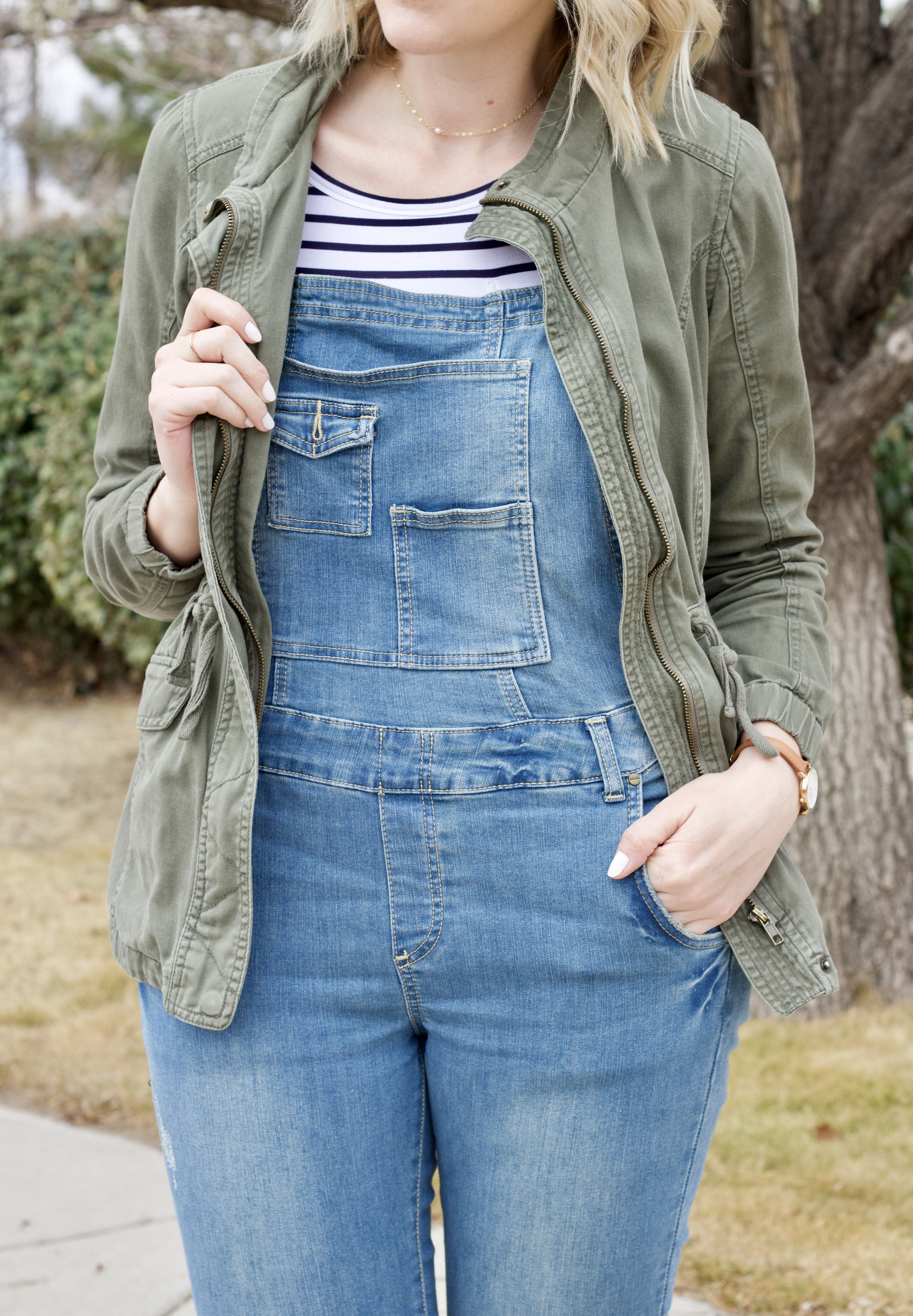 overalls outfit for spring #overalls #springstyle #springoutfit