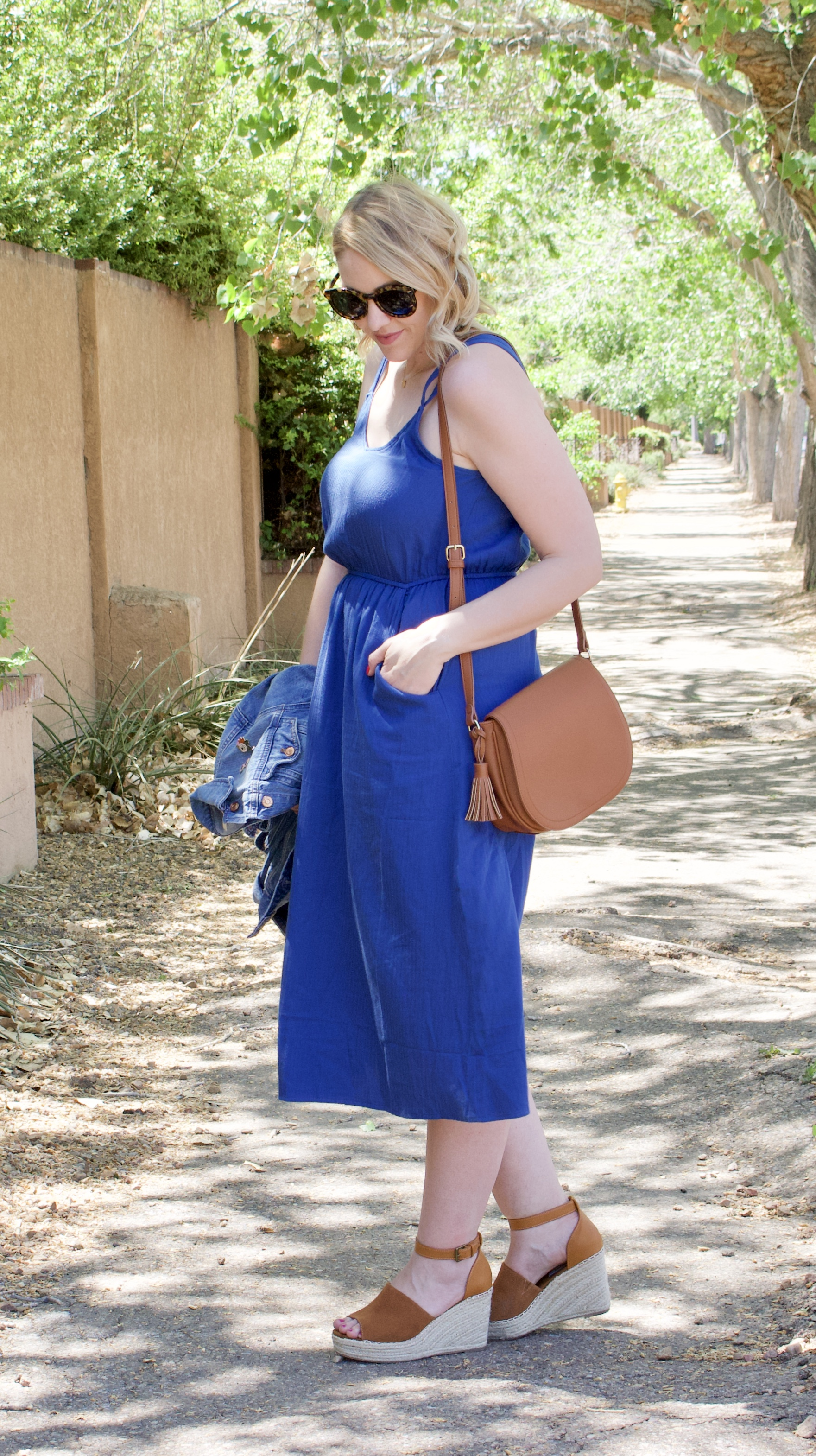 midi dress for mother's day outfit #mothersday #momstyle #mididress