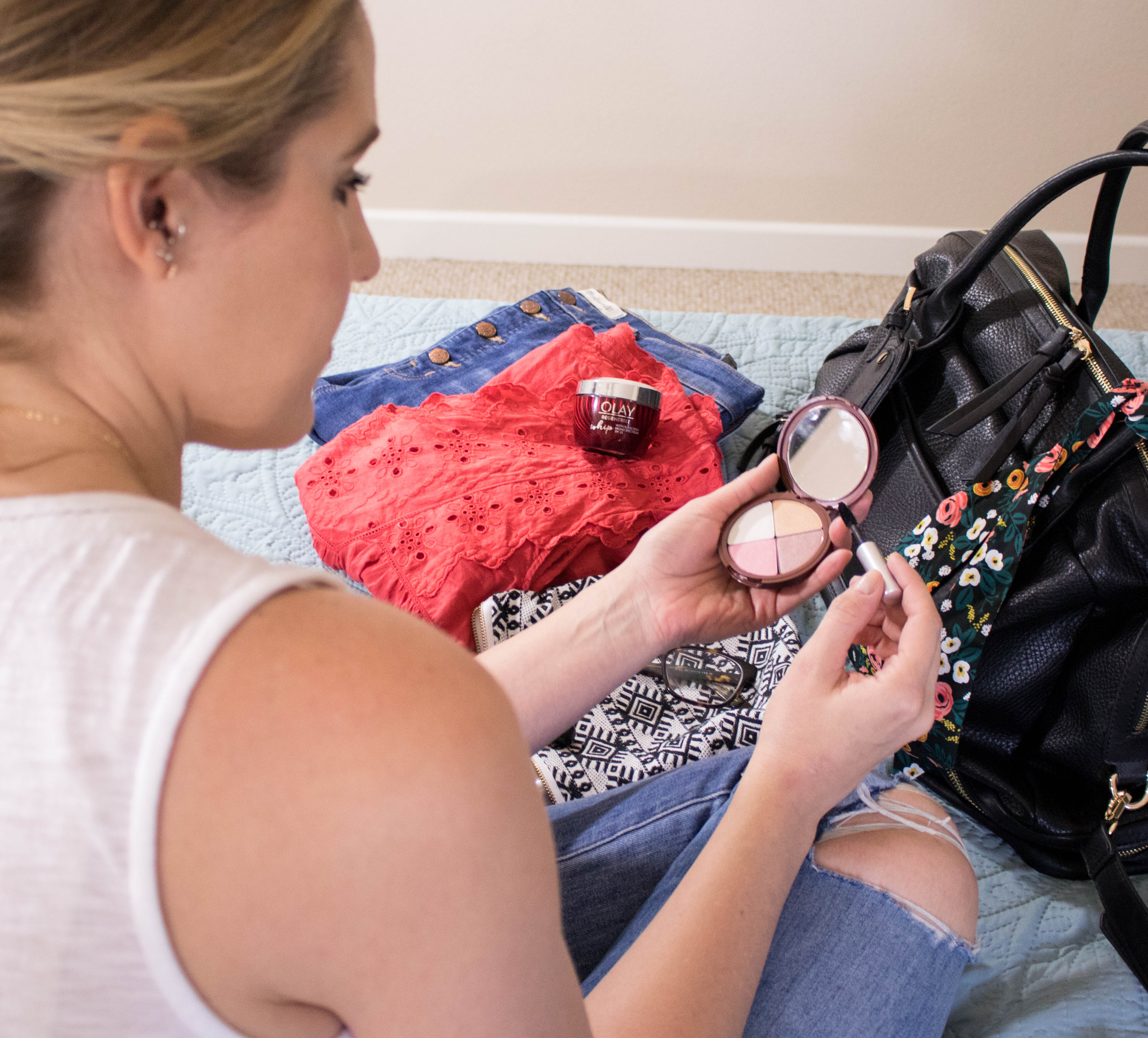 packing beauty bag for summer travel #beauty #travel #skincare #makeup