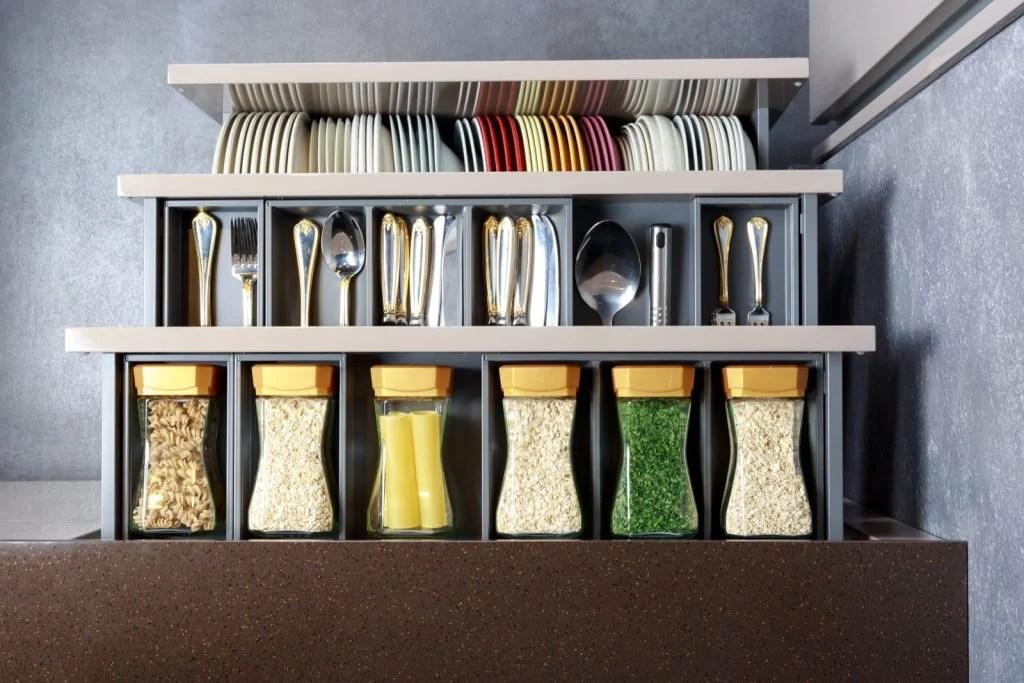 5 trucos de IKEA para ordenar la cocina cajones cestas