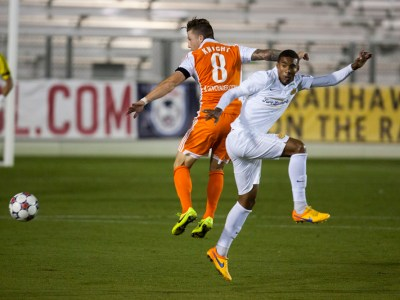 Wes Knight jumps to receive the ball (Photo: Carolina Railhawks)