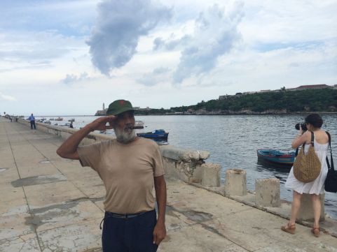 cuban-salute