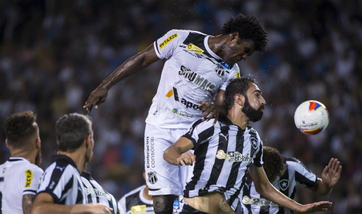 Sandro jogou ao lado de Carlão e o setor defensivo do Ceará não deu espaços aos cariocas