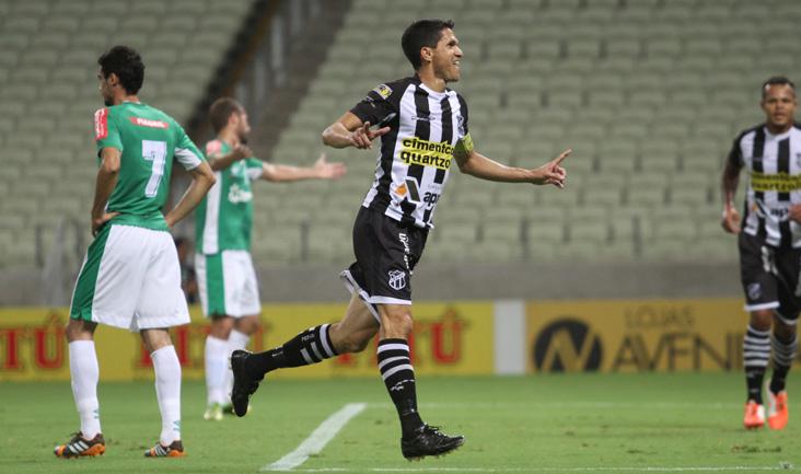 Autor do segundo gol, o atacante Magno Alves deu muito trabalho para a defesa do Luverdense