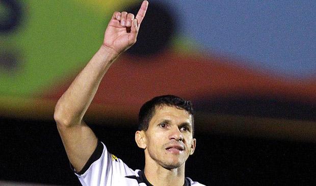 Com os dois gols desta noite, o atacante Magno Alves chegou aos 25 tentos em 2014