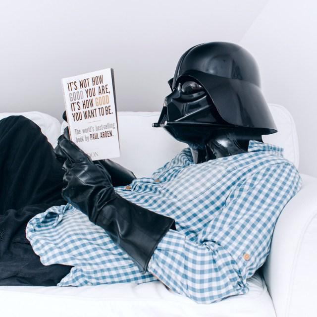 474ac58a1b62ba8e6f9d961fe30b93dd Fotografo retrata o dia a dia banal de Darth Vader