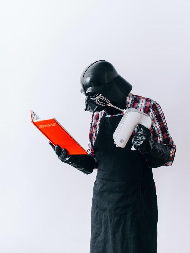 a1044e9454a1bd2764a89c652582757d Fotografo retrata o dia a dia banal de Darth Vader