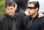 impostor2 - O impostor aparecendo na mídia internacional no funeral de Amy Winehouse