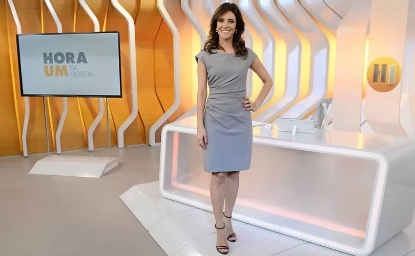 monalise perrone - Susto: Jornalista Monalisa Perrone da Rede Globo leva empurrão Ao Vivo