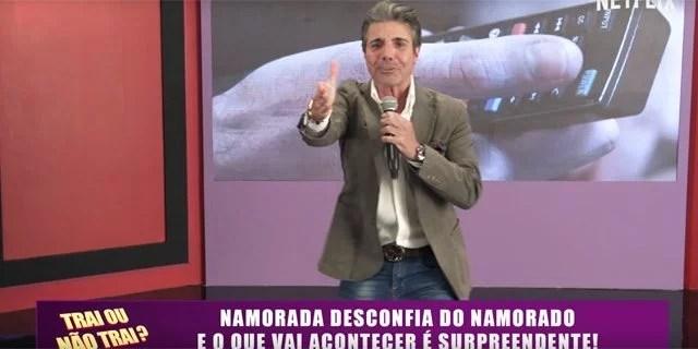 """joaokleber netflix 20022017 - João Cleber é novo garoto propaganda da NetFlix com quadro """"Trai ou Não Trai"""""""