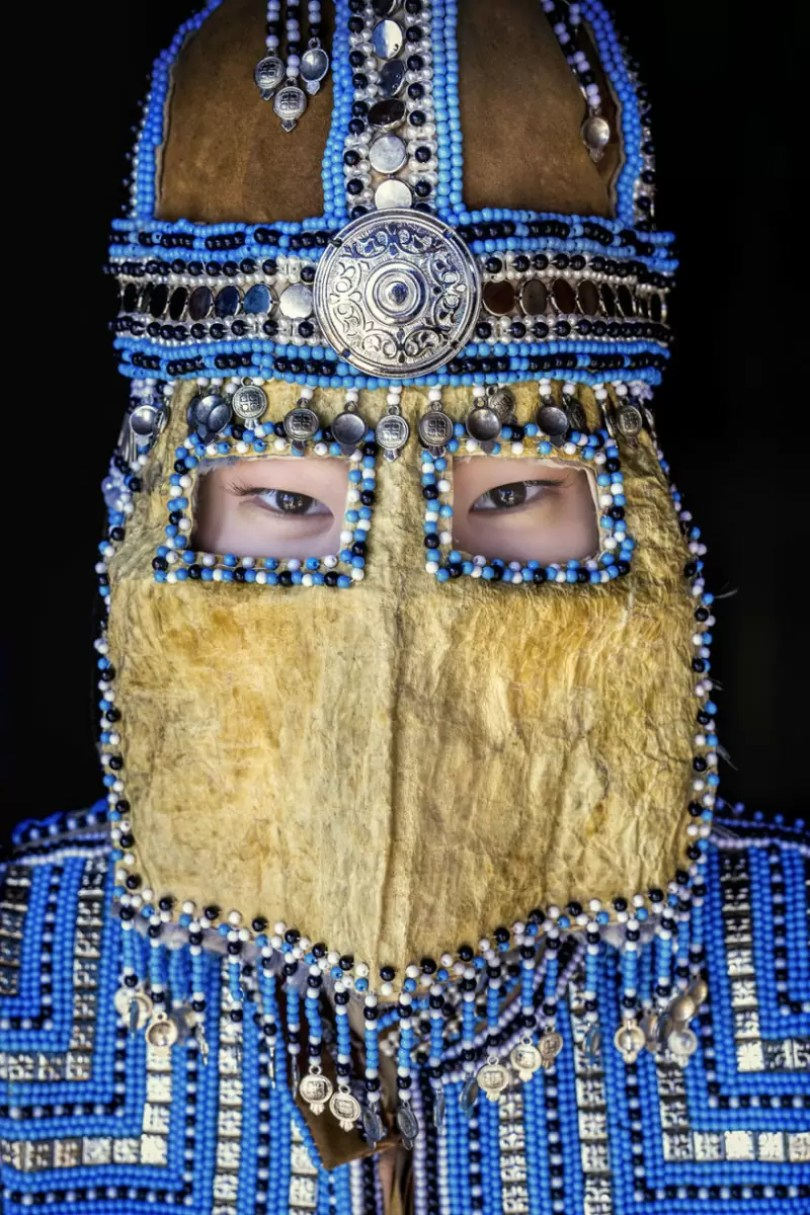 35 Portraits Of Amazing Indigenous People of Siberia From My The World In Faces Project 59476778321ee 880 1 - Fotógrafo faz cliques de pessoas comuns na Sibéria e o resultado é maravilhoso