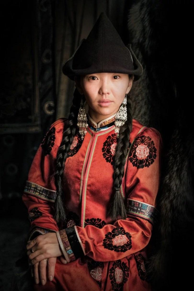35 Portraits Of Amazing Indigenous People of Siberia From My The World In Faces Project 59476e384e495 880 1 - Fotógrafo faz cliques de pessoas comuns na Sibéria e o resultado é maravilhoso