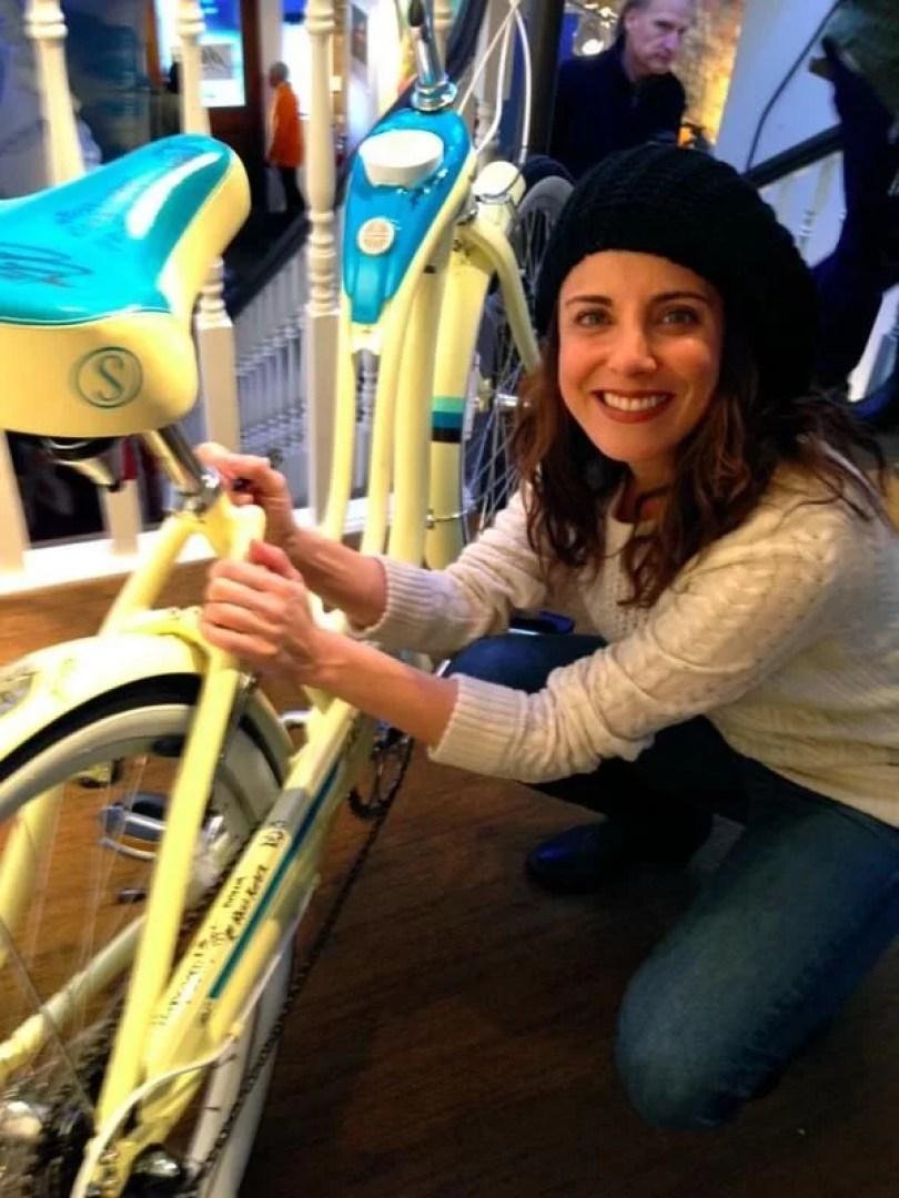 Alanna Ubach Rosie - O Mundo de Beakman programa de humor que tratou a Ciência a sério
